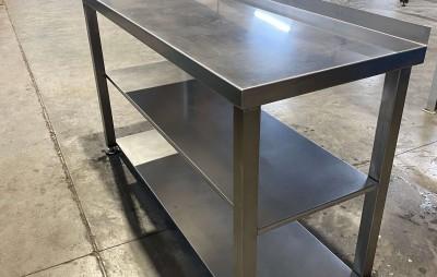 mesa almacenamiento